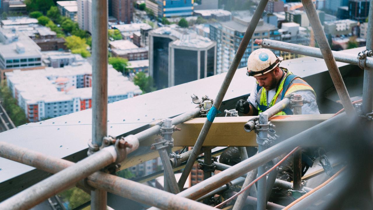 Liczba upadłości i restrukturyzacji firm budowlanych będzie rosła