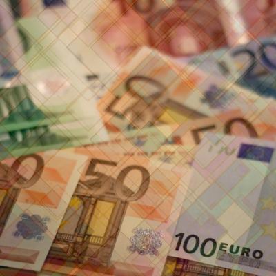 Euro powyżej 4,40 zł, przecena złotego