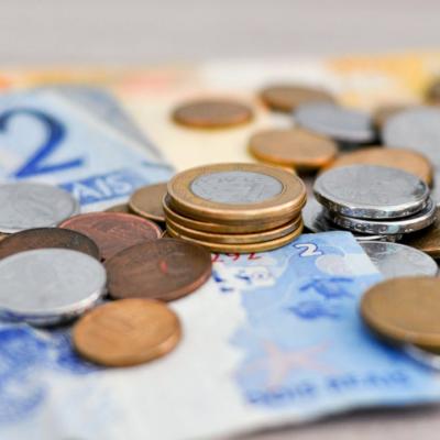 Turecka lira ciągnie w dół waluty rynków wschodzących