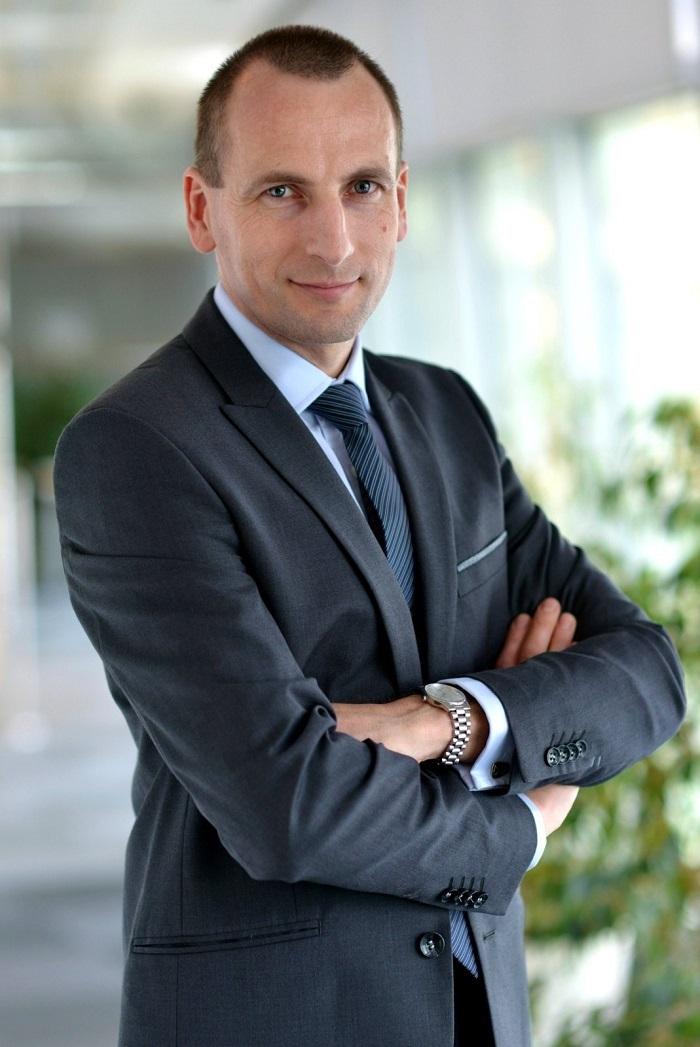 adam-pawlak-dyrektor-finansowy-w-moto-profil